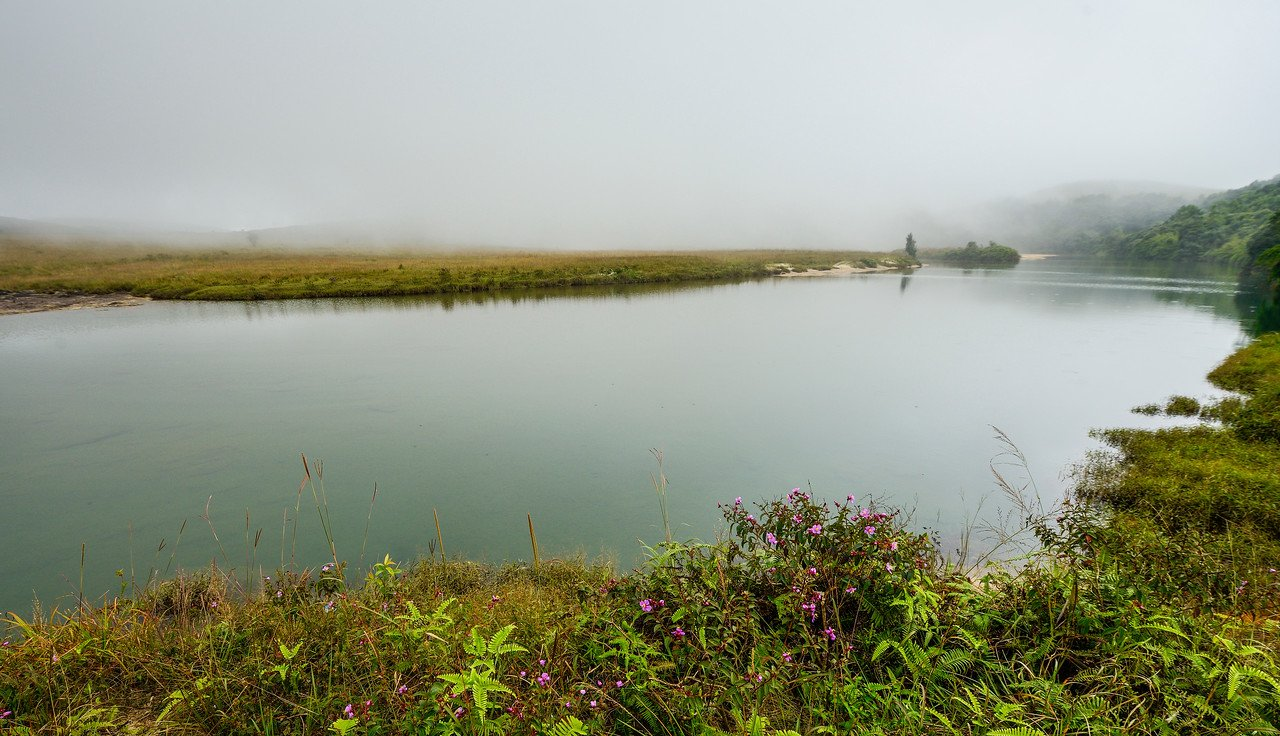 beautiful-misty-lake-cherrapunji